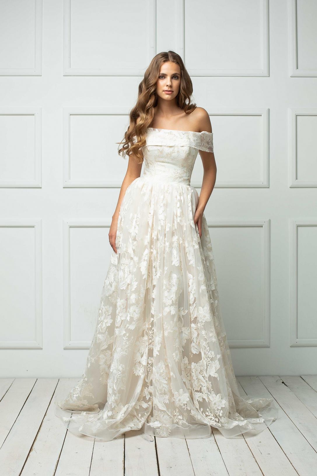 Vestuvinė suknelė 197