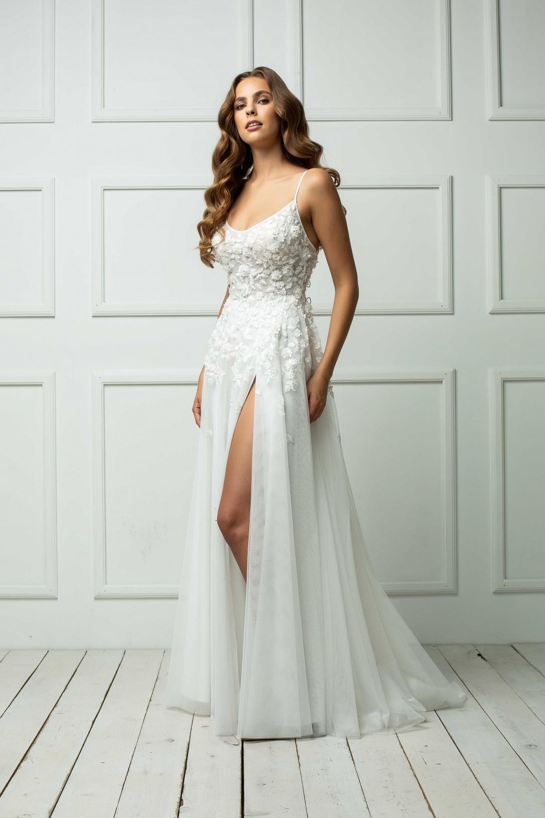 Vestuvinė suknelė 247