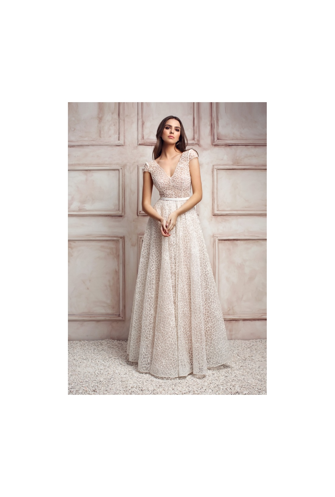 Vestuvinė suknelė 206