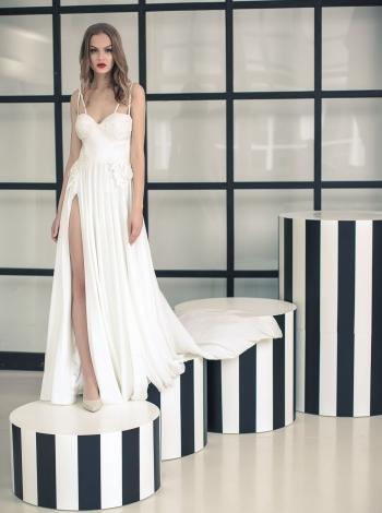 Vestuvinė suknelė 238