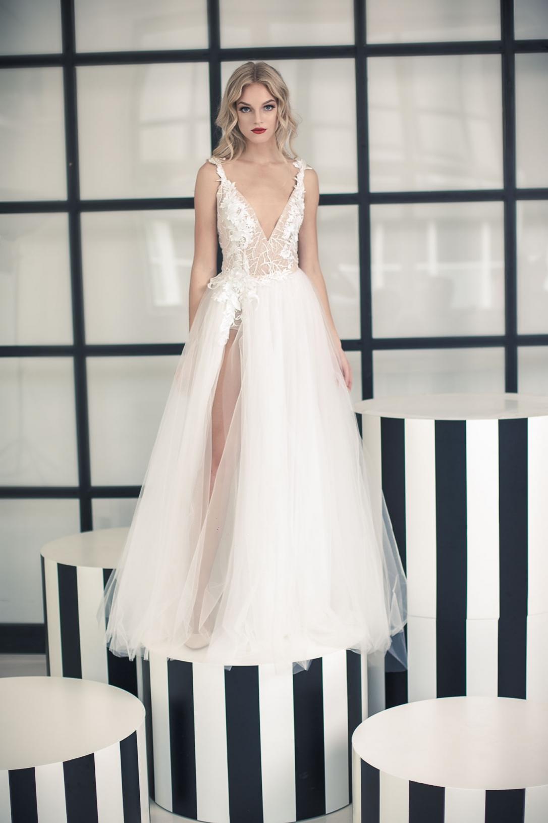 Vestuvinė suknelė 244