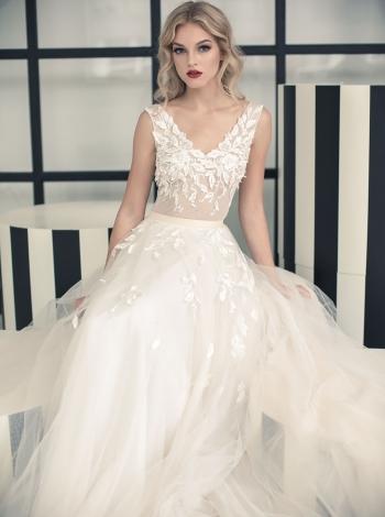 Vestuvinė suknelė 245